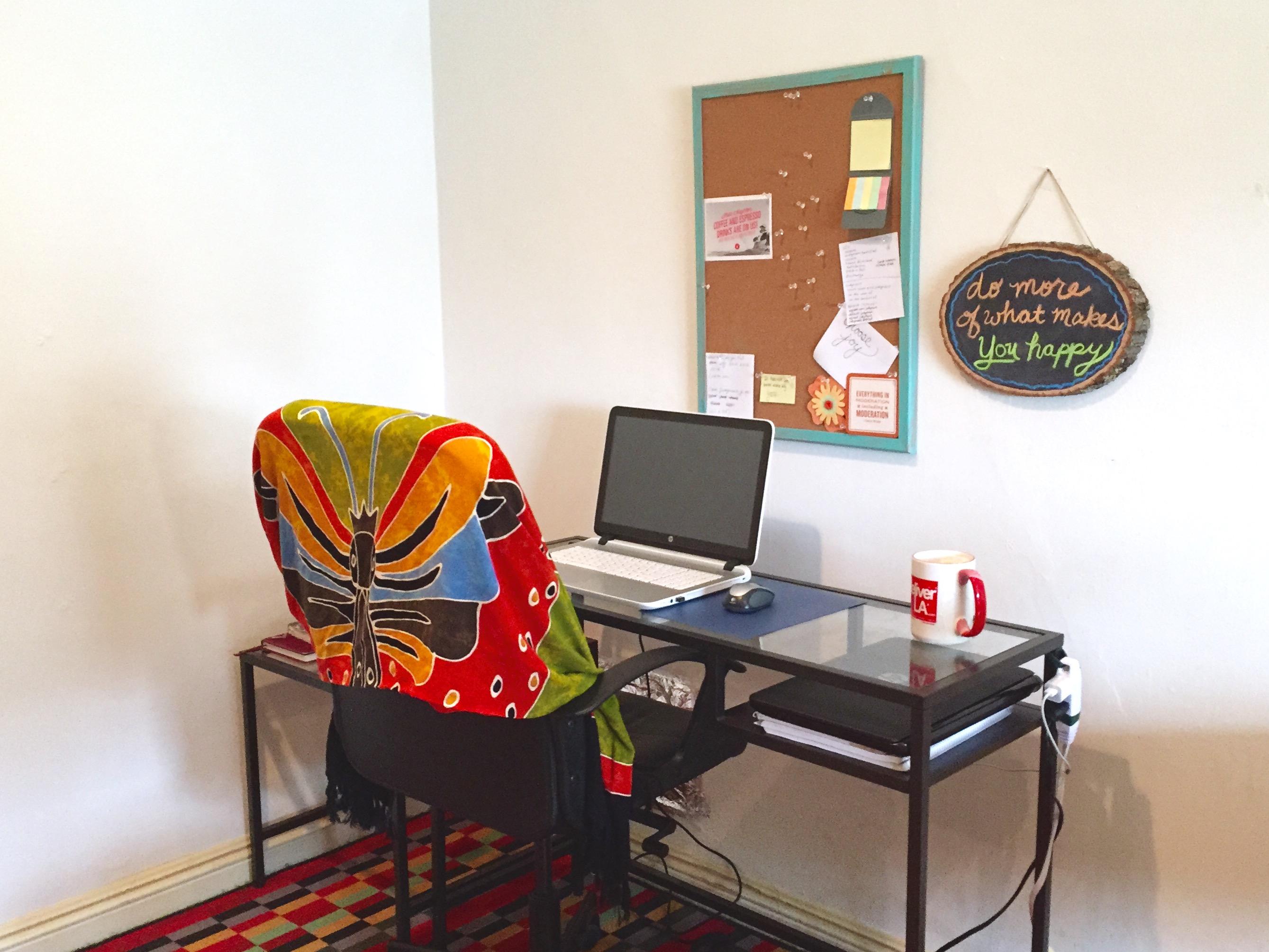 a minimalist apartment tour minimal millennial table apartment tour desk